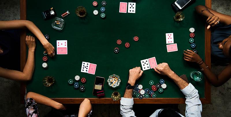 Bagaimana Bermain Texas Hold' Em Poker